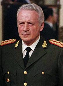 Leopoldo F. Gartieri, expresidente y militar argentino, jefe al mando de la llamada «Guerra Sucia» del decenio del 70 y engendro formado en la Escuela de las Américas de Panamá, proyecto de la CIA que aún subsiste con otros nombres.