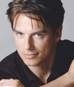 http://www.nndb.com/people/273/000108946/john-barrowman-1-sized.jpg