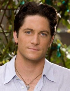 The 50-year old son of father Jim Conrad and mother Margaret Conrad, 185 cm tall David Conrad in 2017 photo