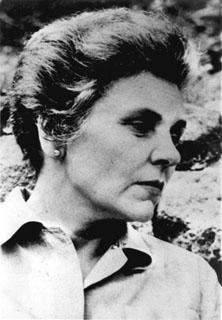 black-and-white portrait of Elizabeth Bishop