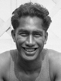 http://www.nndb.com/people/954/000354889/duke-kahanamoku-2-sized.jpg