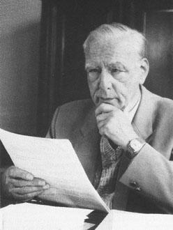 Немецкий физик Эрнст Август Руска родился в Гейдельберге и был...