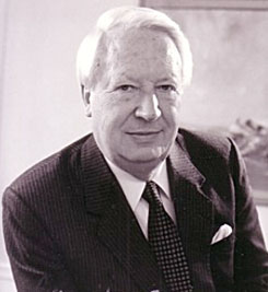 إدوارد هيث .... رئيس وزراء بريطانيا السابق edward-heath-sized.jpg